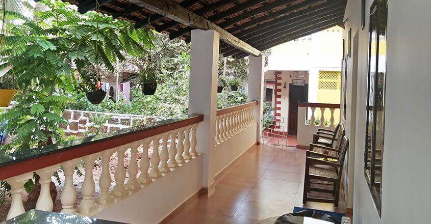 Fatima guest house goa guest house in calangute goa for Guest house in goa with swimming pool